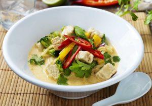 Thaisuppe mit Quorn Geschnetzeltem und Sauté-Gemüse