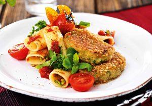 Tomatenrigatoni mit Broccoli-Medaillons