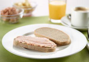 Roggenmischbrot mit Leberwurst