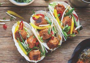 Gochujang QUORN™ Bällchen im Taco-Shell
