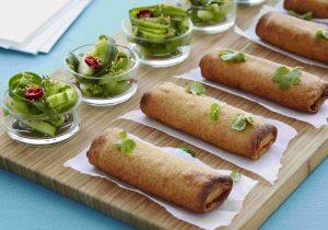 DALOON Frühlingsrolle mit asiatischem Gurkensalat