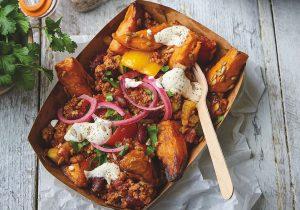 Chili Con Quorn mit Smoky Sweet Potato Wedges