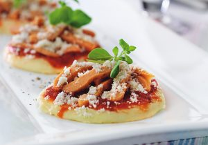 Rezeptidee für die passierte und pürierte Kost Mini-Pizza mit FINDUS Timbalino Pfannkuchen