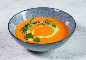Rezeptidee Karottensuppe mit feiner Erbsencreme auf Basis der FINDUS Gemüsepürees